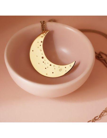 Christelle Dit Christensen collier M croissant de Lune doré