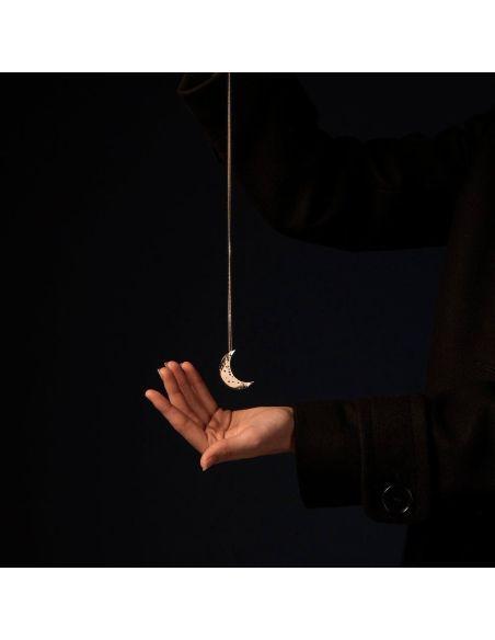Christelle Dit Christensen collier L croissant de Lune doré
